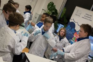Schools air pollution solution activity